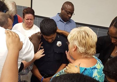tlg-christian-news-american-until-he-comes-police-clergy-pledge-247-prayer