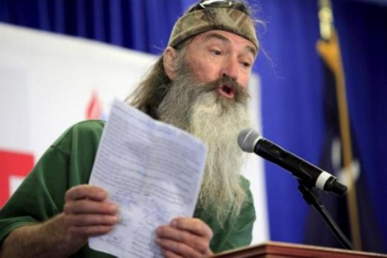 tlg-christian-news-evangelism-and-missions-duck-dynasty-star-phil-robertson-calls-on-ted-cruz-to-forgive-donald-trump-and-support-him