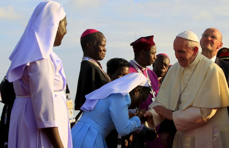 tlg-christian-news-evangelism-and-missions-lead-us-not-into-the-temptations-of-twitter-warns-pope-francis