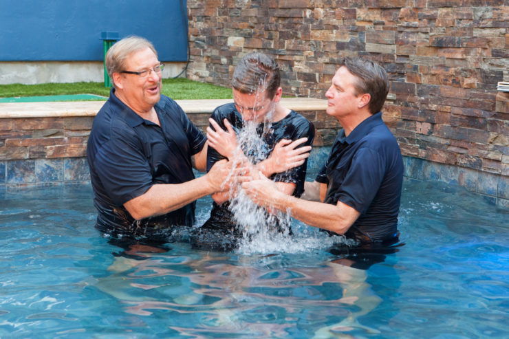 tlg-christian-news-church-ministries-40-ways-to-increase-baptisms-in-the-next-year-baptism-weekend-rick-warren-nears-the-45000th-baptism-at-saddleback-church-october-8th-and-9th-2016