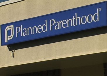 Iowa Senate Advances Bill to Defund Planned Parenthood
