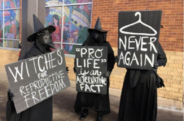 tlg-christian-news-american-witches-come-out-to-support-planned-parenthood-as-prolife-people-protest-witches